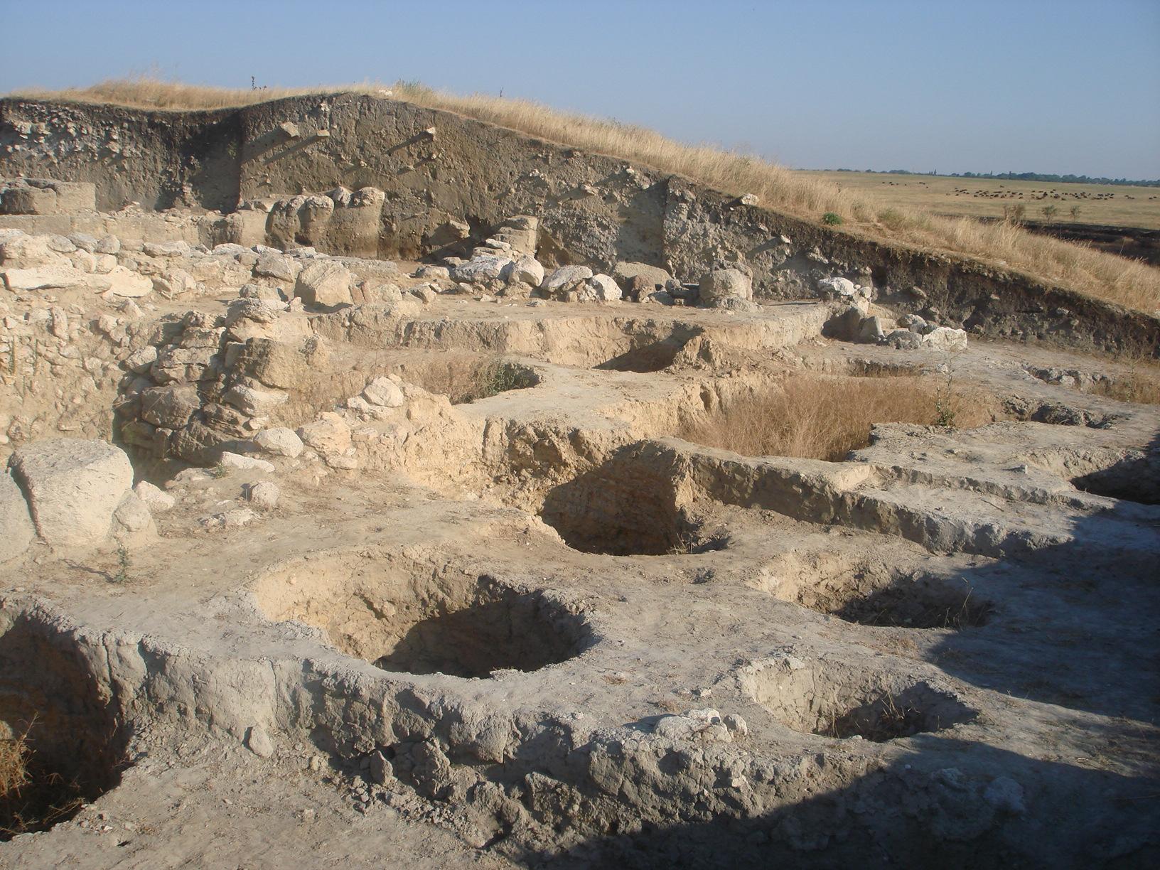 """Ukrinform on twitter: """"росія нищить археологічні пам'ятки в ."""